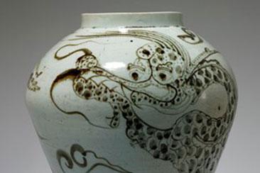 korean_dragon_ceramic_jar