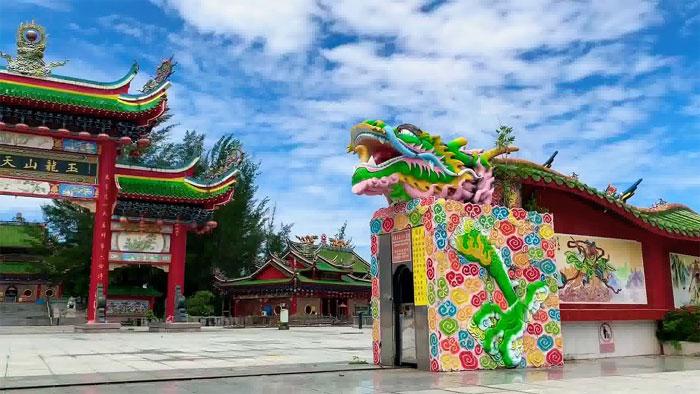 jade_dragon_temple_malaysia